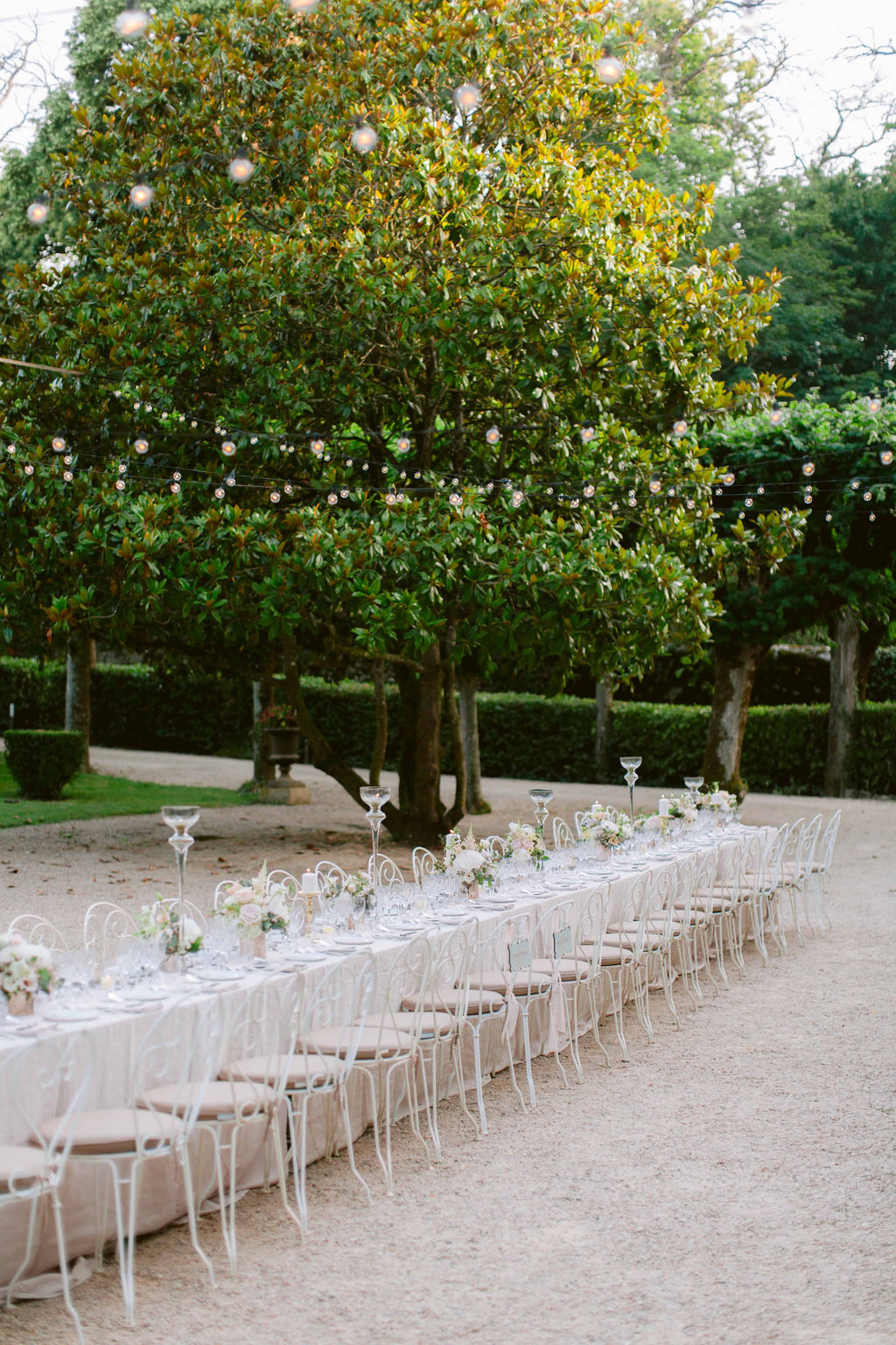 how-to-plan-a-wedding-in-france-03