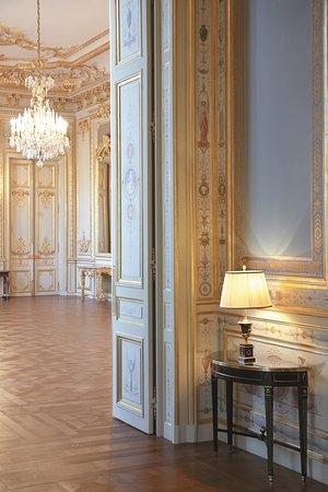 shangri-la-hotel-paris-wedding-planner